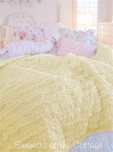 SHABBY SUNNY YELLOW COTTAGE CHIC RUFFLED COMFORTER SET - FULL / QUEEN