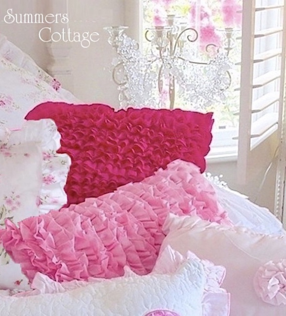 ROMANTIC SHADES OF PINK RUFFLES & FLOWERS ROSES PILLOWS COTTAGE HOMES