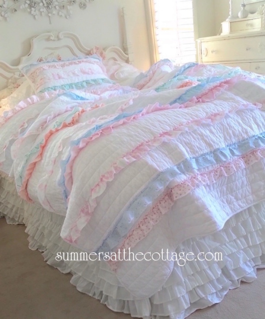 SHABBY COTTAGE COLORS CHIC PETTICOAT RUFFLES ROSES QUILT SET