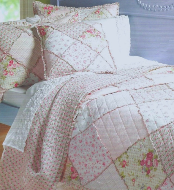 TWIN FRENCH COTTAGE PATCHWORK PINK ROSES SCALLOP EDGE QUILT