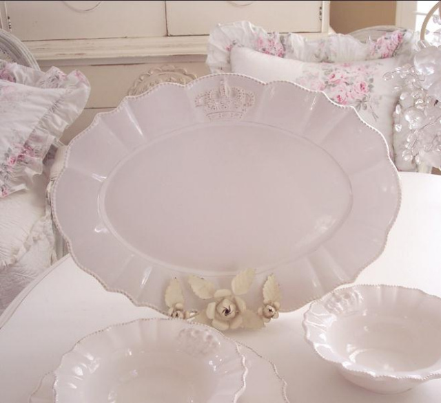 CROWN LOGO SHABBY COTTAGE CHIC CREAMY WHITE PLATTER