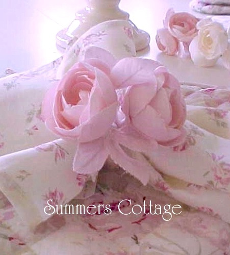 SHABBY CHIC RACHEL ASHWELL PINK ROSES NAPINS AND RINGS TABLE LINENS